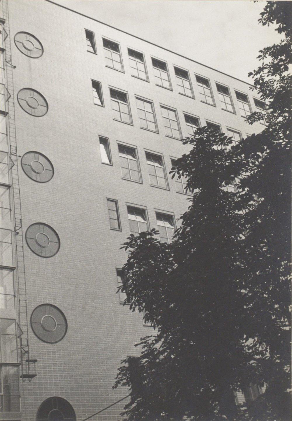 Voormalige Joodsche Invalide Amsterdam (thans GGD-gebouw)