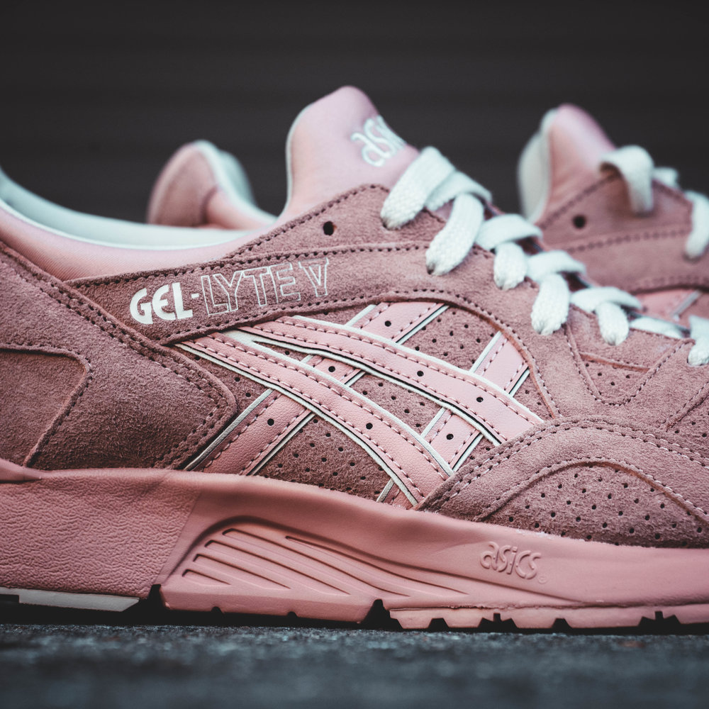 One of Asics classic silhouettes returns with a unisex color way in a  peachy beige. A suede and leather combination is paired with the Gel-Lyte  V's ...