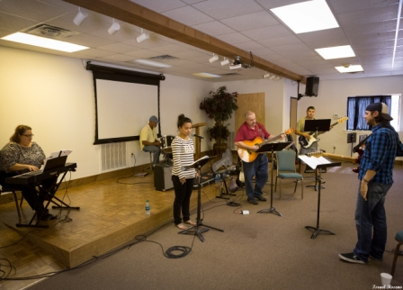 Doug Berry is working hard with the Springdale worship team at the Contemporary Worship Workshop! Click HERE for more photos from this event!