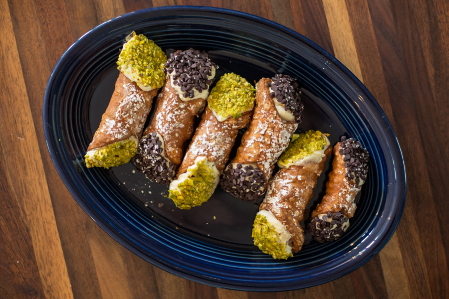 Cannolis for breakfast? I think so!