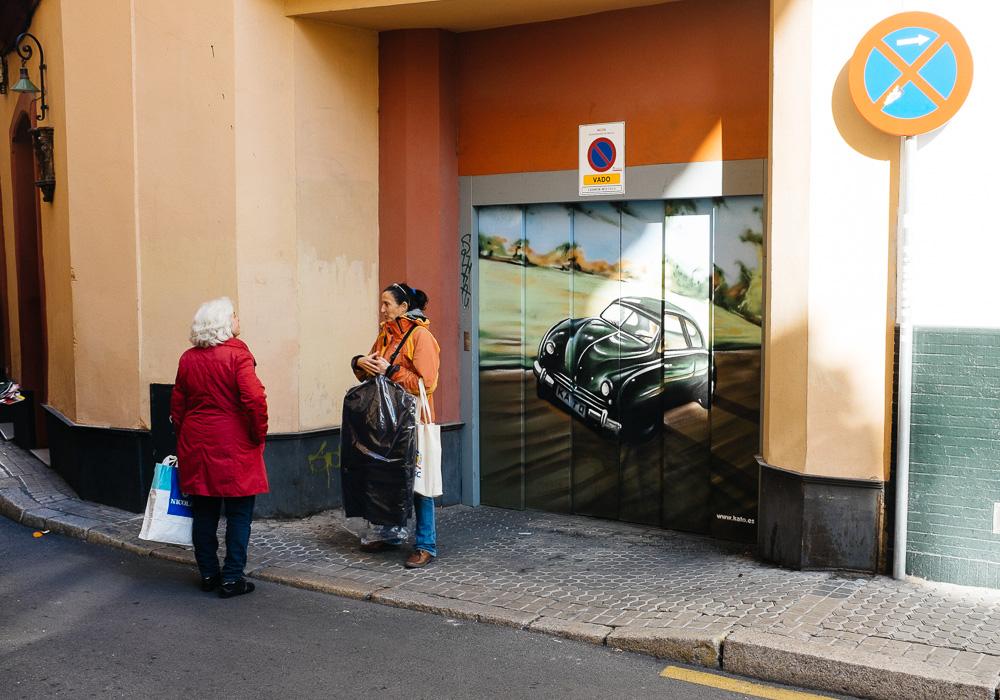 Graffiti roadkill in Seville