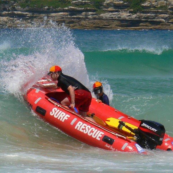 Lifeguard_Australia_(Spud_Murphy_-_flickr).jpg
