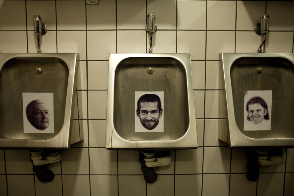 In a nightclub in Reykjavik, portraits of «the financial Vikings», the individuals responsible for Iceland's misery, line the urinals.  ​