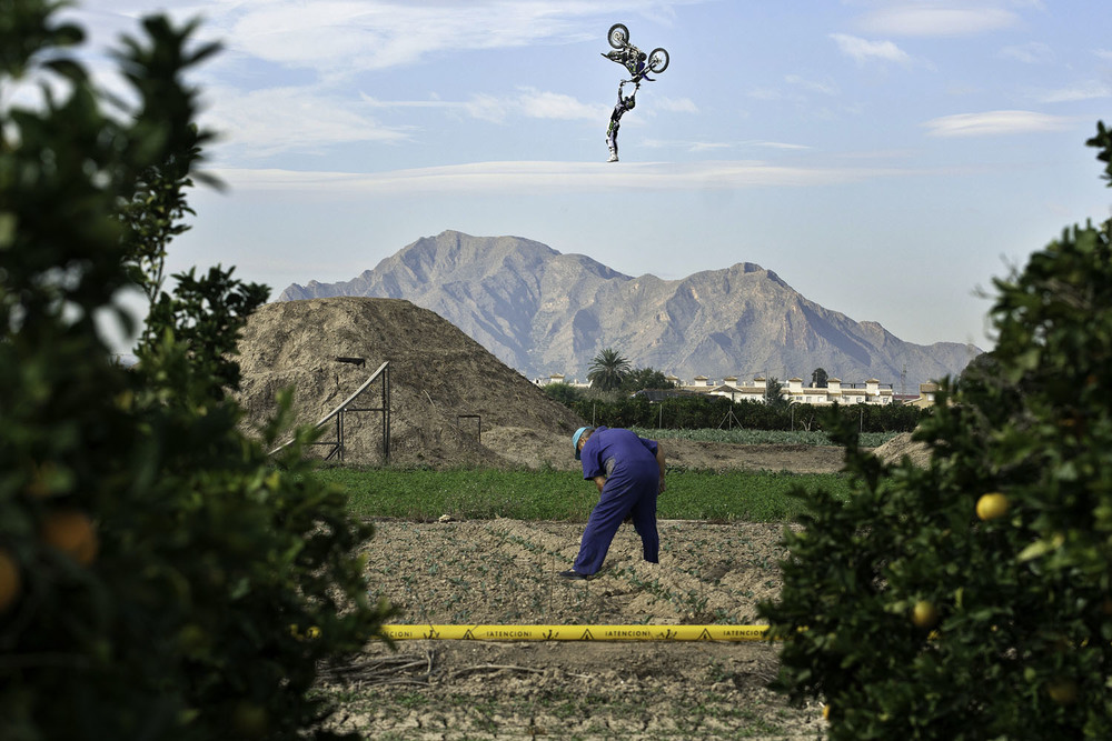 """André Villa doing a """"backflip kiss of death"""" in his own FMX track in Torrevieja, Spain."""