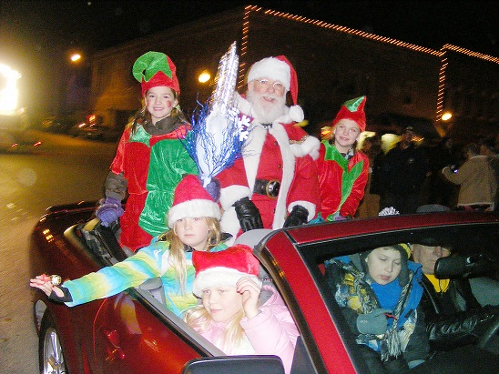 PARADE REGISTRATION AVAILABLE NOW! CLICK ON SANTA TO BE TAKEN TO FORM!