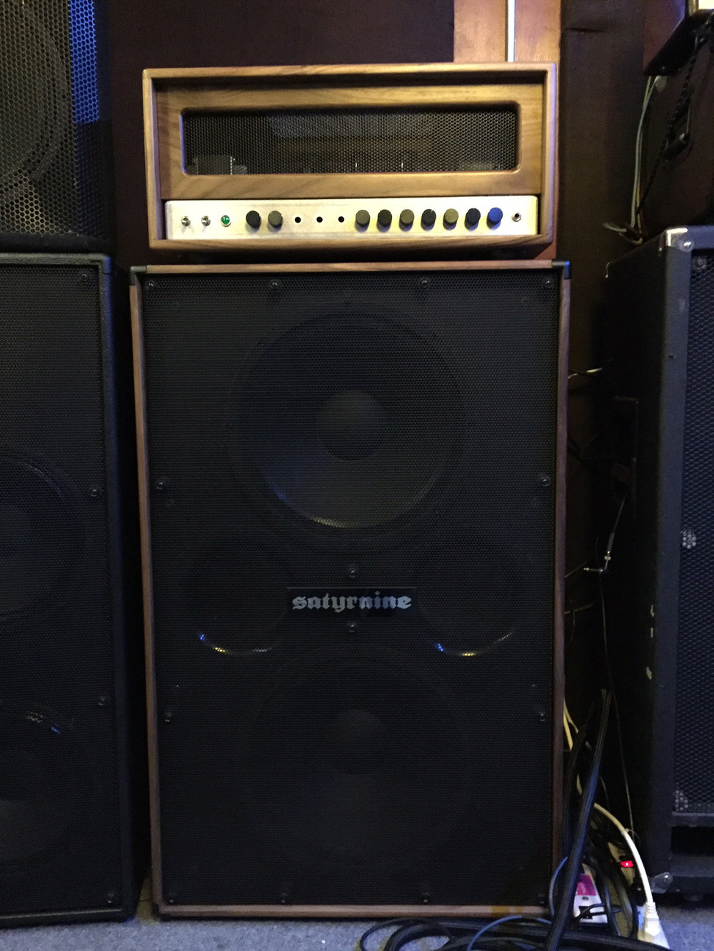 Satyrnine Walnut 215 - Faital 15PR400's. Frantzen 400 Bass head on top.