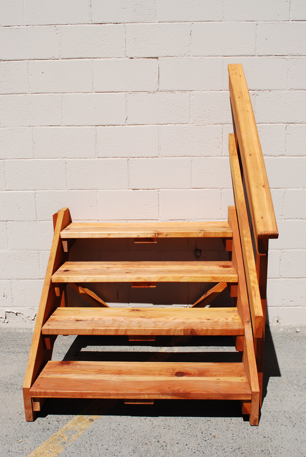 how to build a small free standing deck