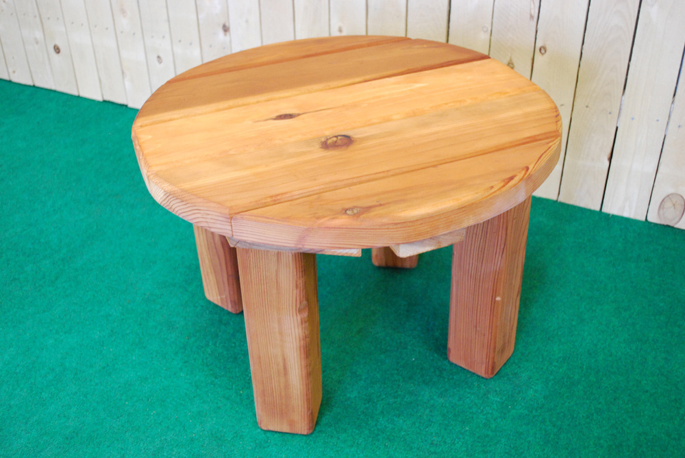 redwood round accent table