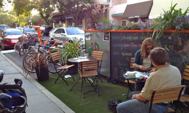 los-altos-parklet-seating.jpg