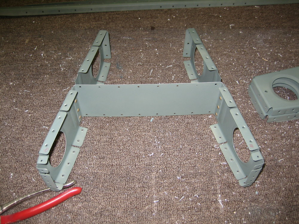 RV10 Horizontal Stabilizer (27).JPG