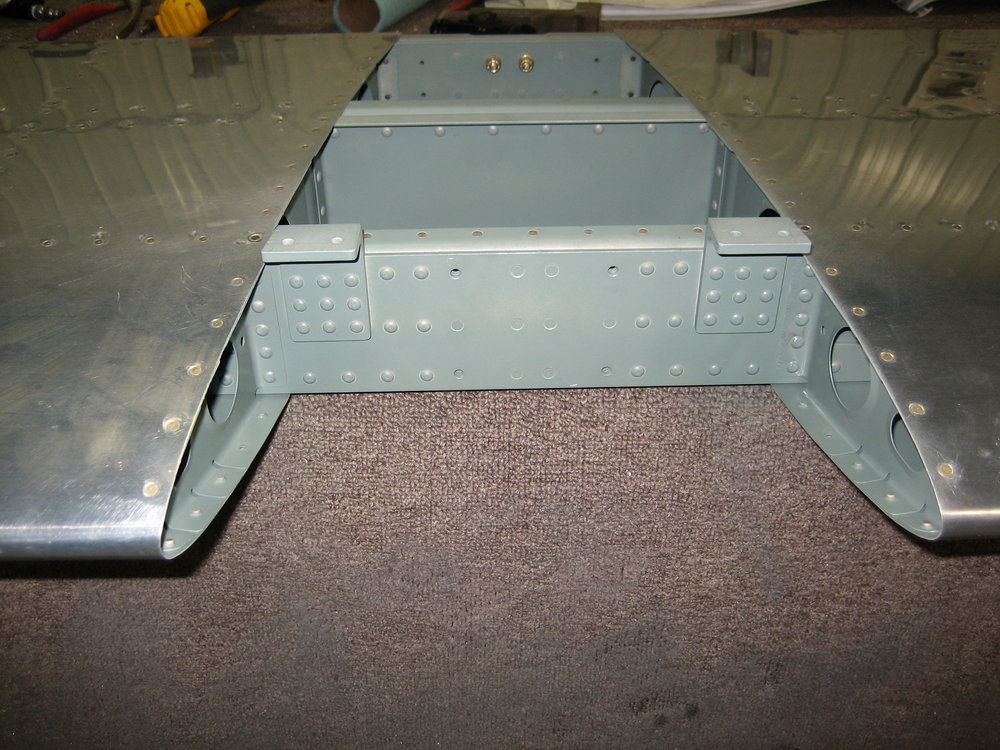 RV10 Horizontal Stabilizer (37).JPG