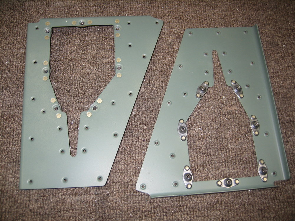 RV10 Elevators (18).JPG