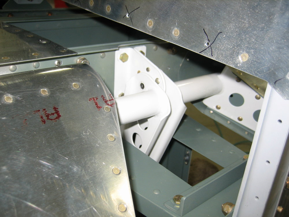 RV10 Horizontal Stabilizer (42).JPG
