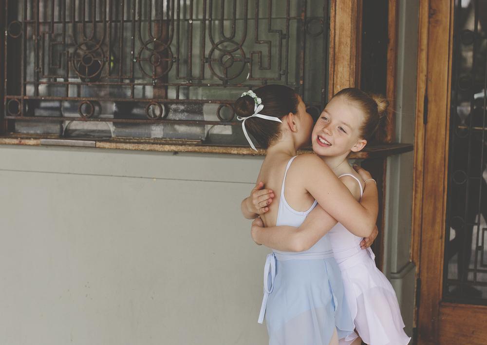 Little girls hugging!