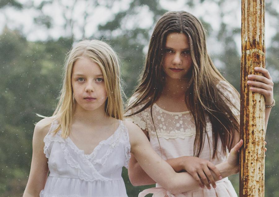 Tween girls portrait photo at Mont Du Soleil