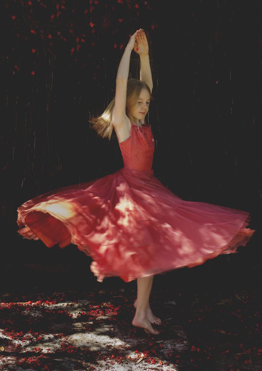 Tween girl dancing!