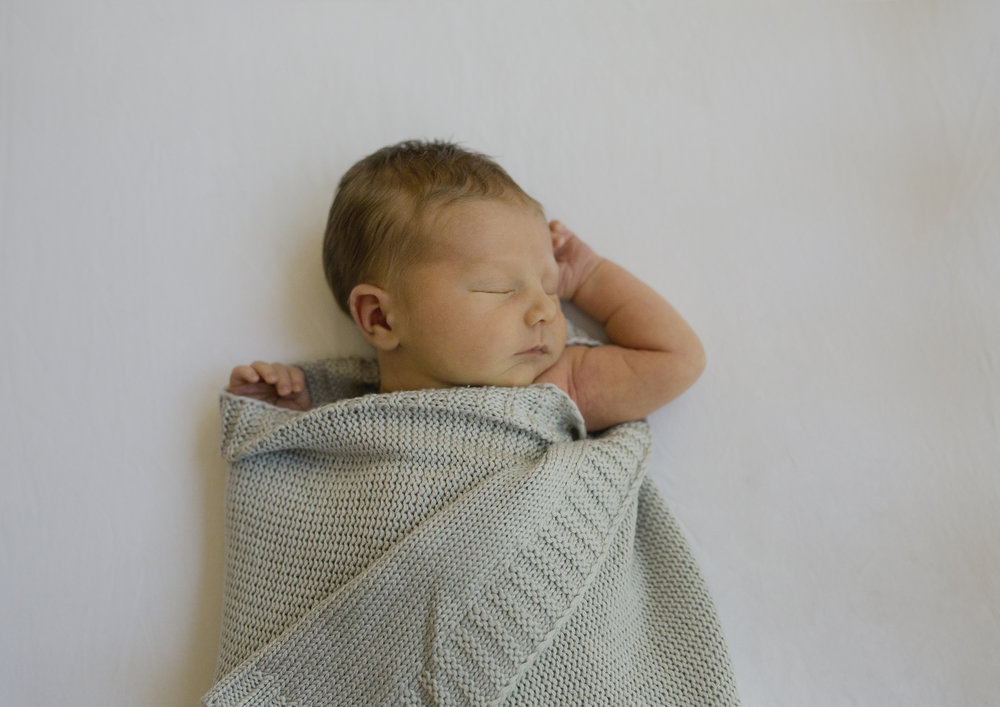 Natural Newborn and Baby Photos Melbourne