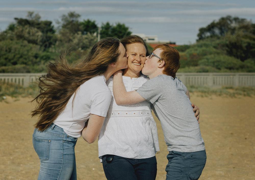 Family kisses!