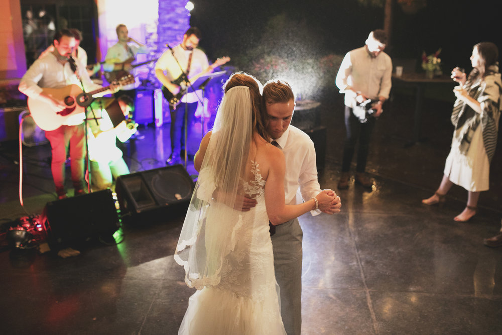 Mitchell Wedding1073B.jpg
