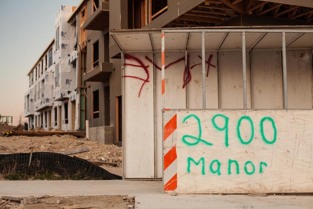 2900 Manor.jpg
