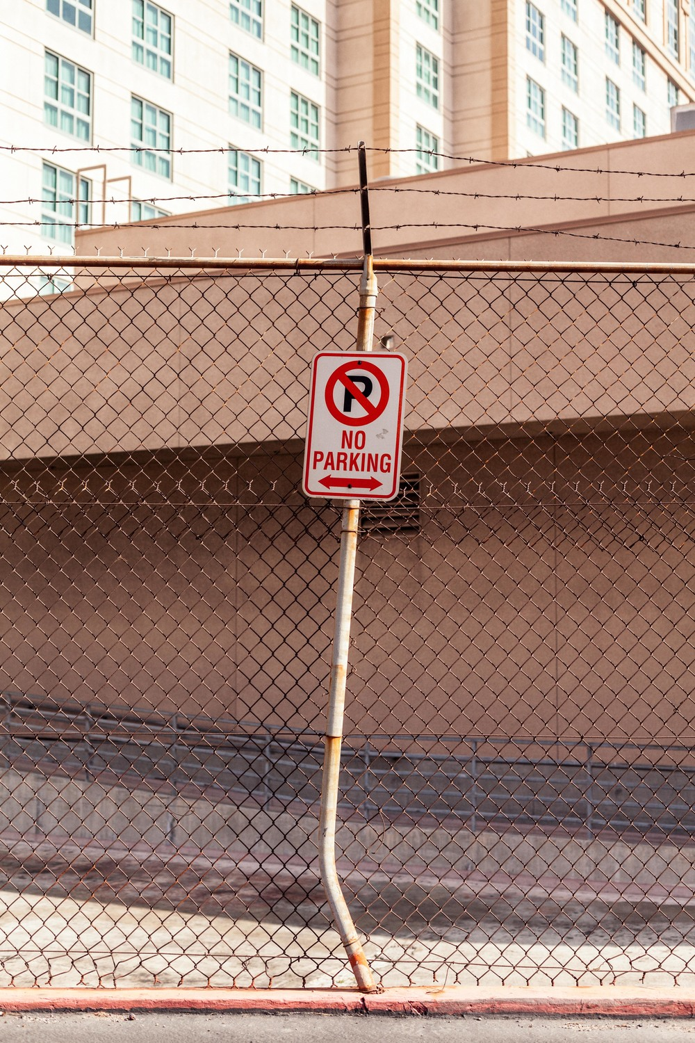 a no parking sign.jpg