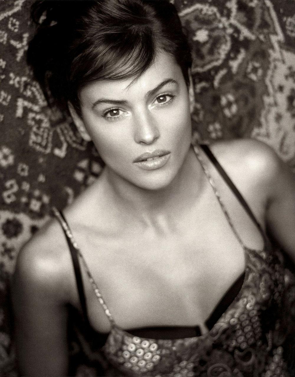 monica-bellucci--1996