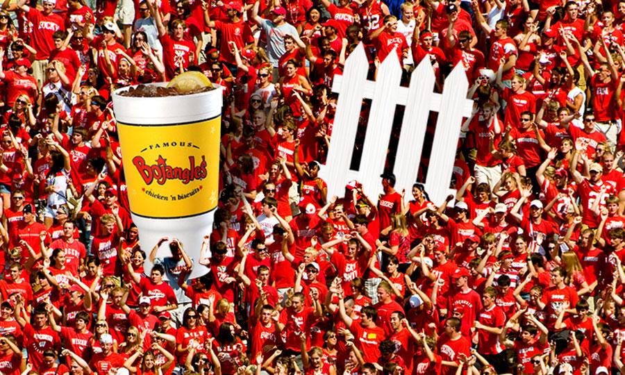 tea-fence_crowd.jpg