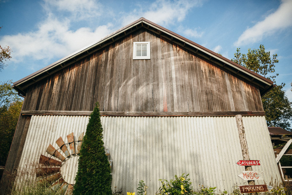 Portland Seattle Destination Wedding Photographer Michigan Millcreek Wilde Barn0015.JPG