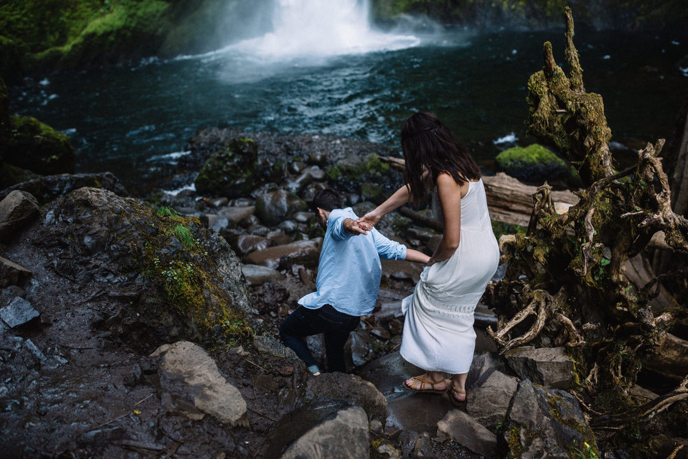 Wahclella falls portland oregon engagement photographer005.JPG