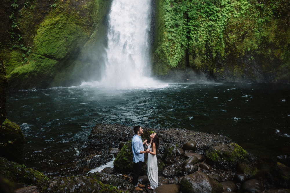 Wahclella falls portland oregon engagement photographer008.JPG