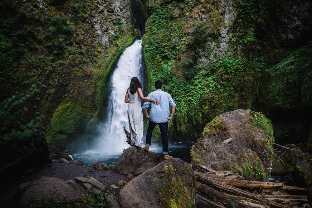 Wahclella falls portland oregon engagement photographer 001.jpg