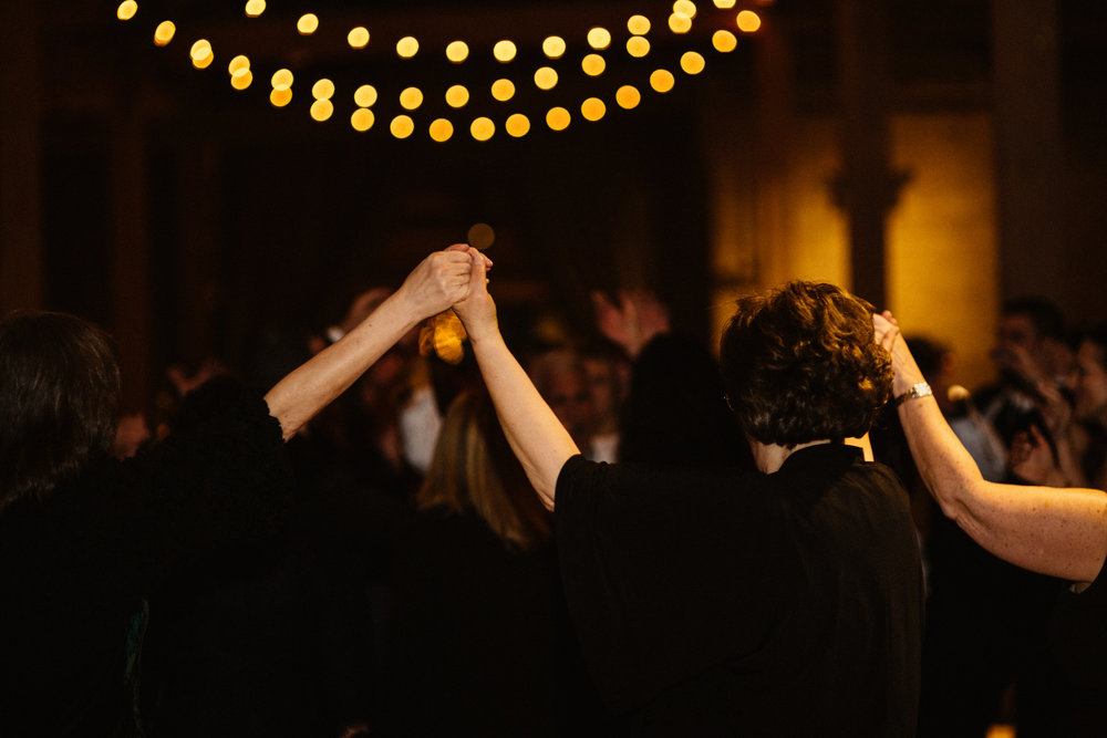 Chicago destination wedding photographer bridgeport art center085.JPG