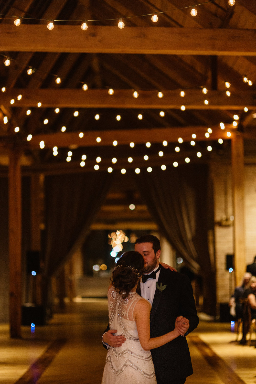 Chicago destination wedding photographer bridgeport art center108.JPG