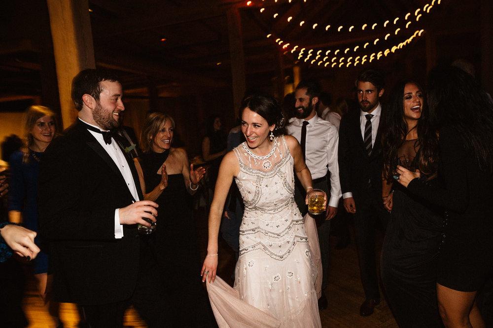 Chicago destination wedding photographer bridgeport art center119.JPG