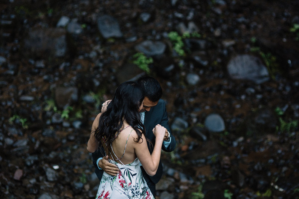 Latourell Falls engagement photography009.JPG