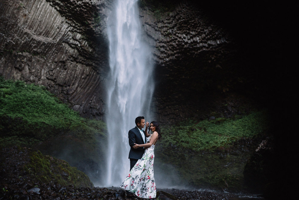 Latourell Falls engagement photography014.JPG