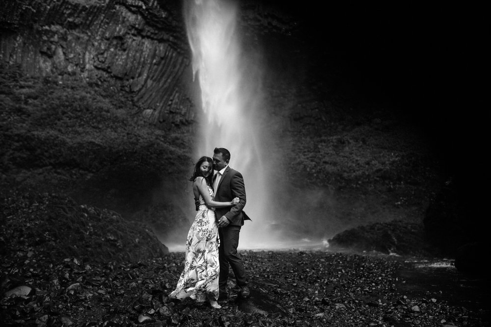 Latourell Falls engagement photography016.JPG