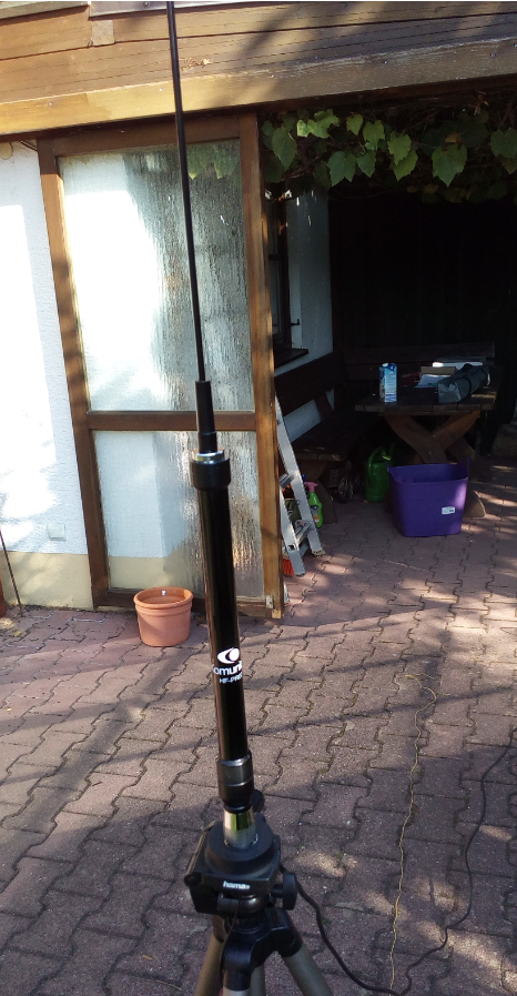 Komunica Power HF-PRO-2 Antenna freestanding.png
