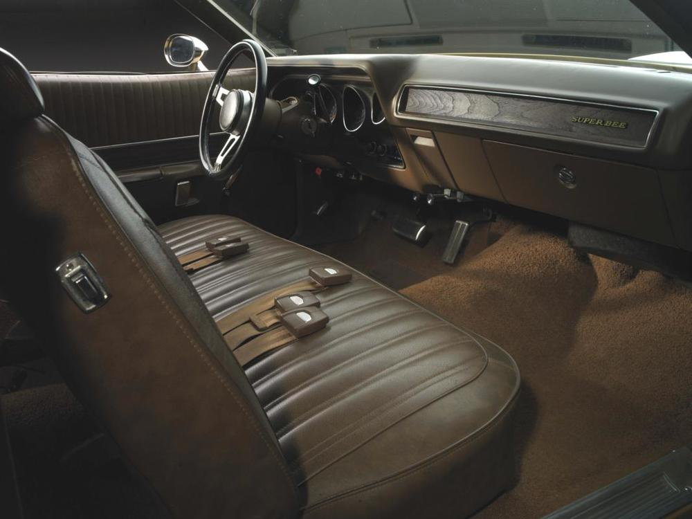 71 Butterscotch Super Bee interior - dash.jpg
