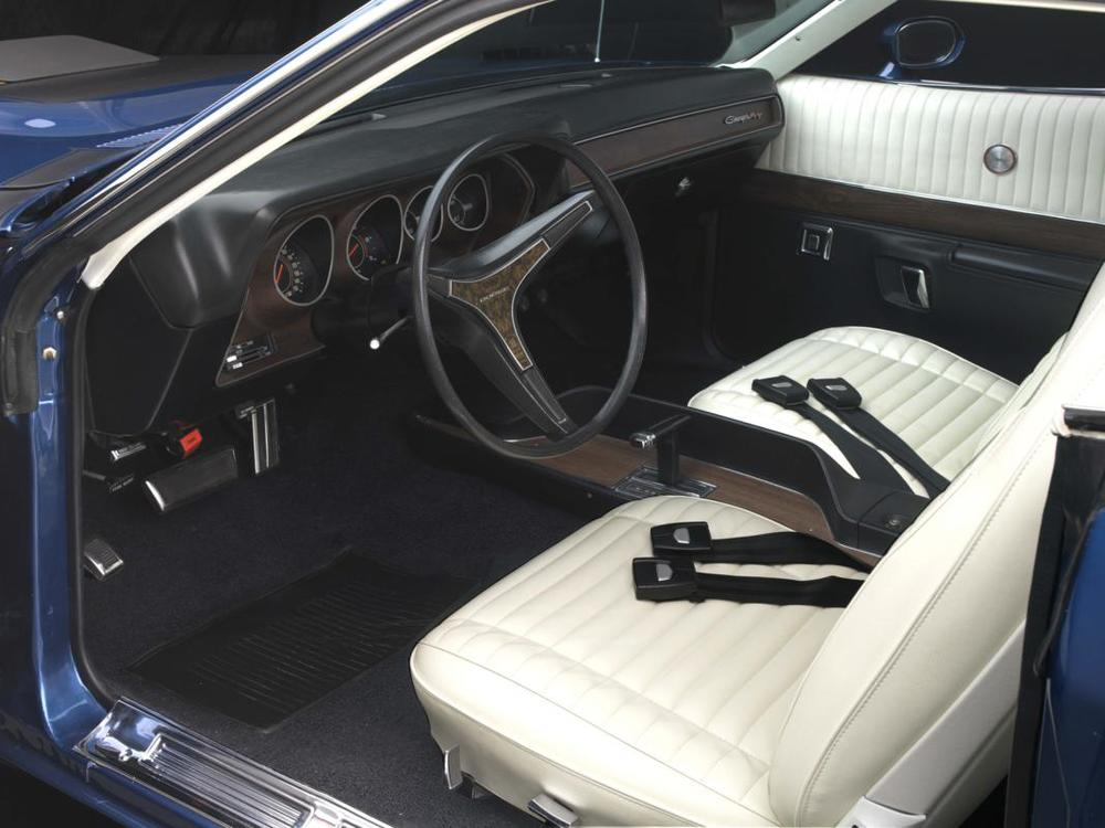 71 Hemi Charger RT interior.jpg