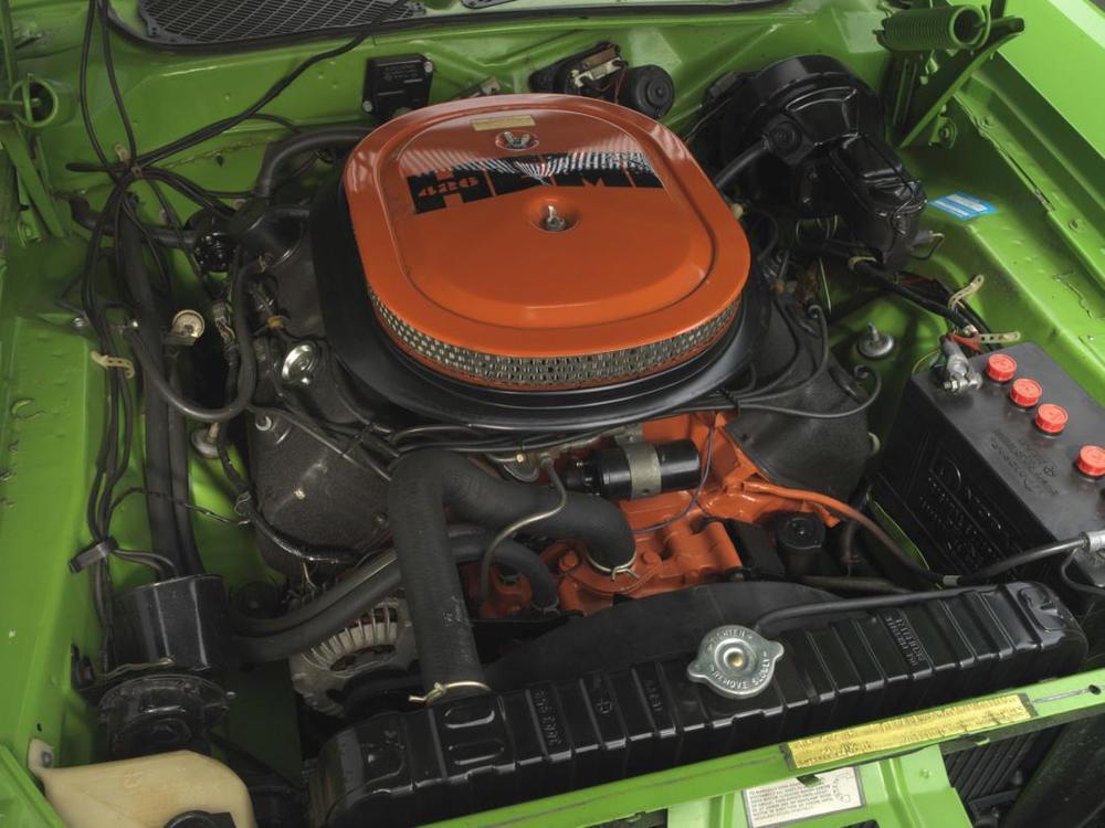 71 Sassy Grass HEMI engine.jpg