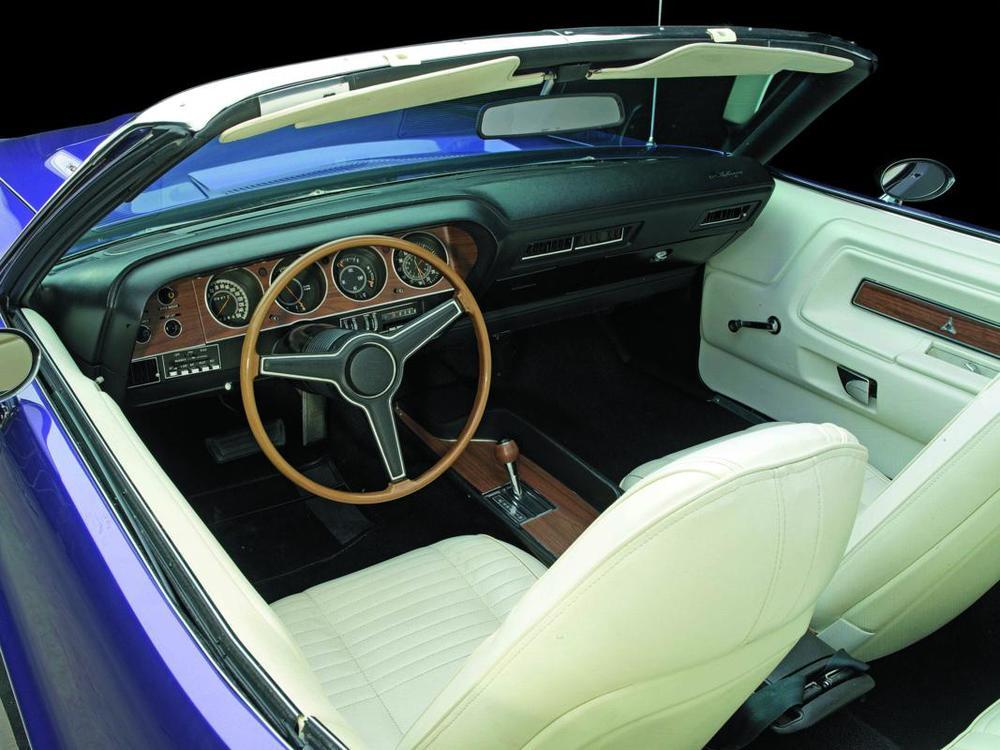 Dodge Challenger R-T convertible interior.jpg