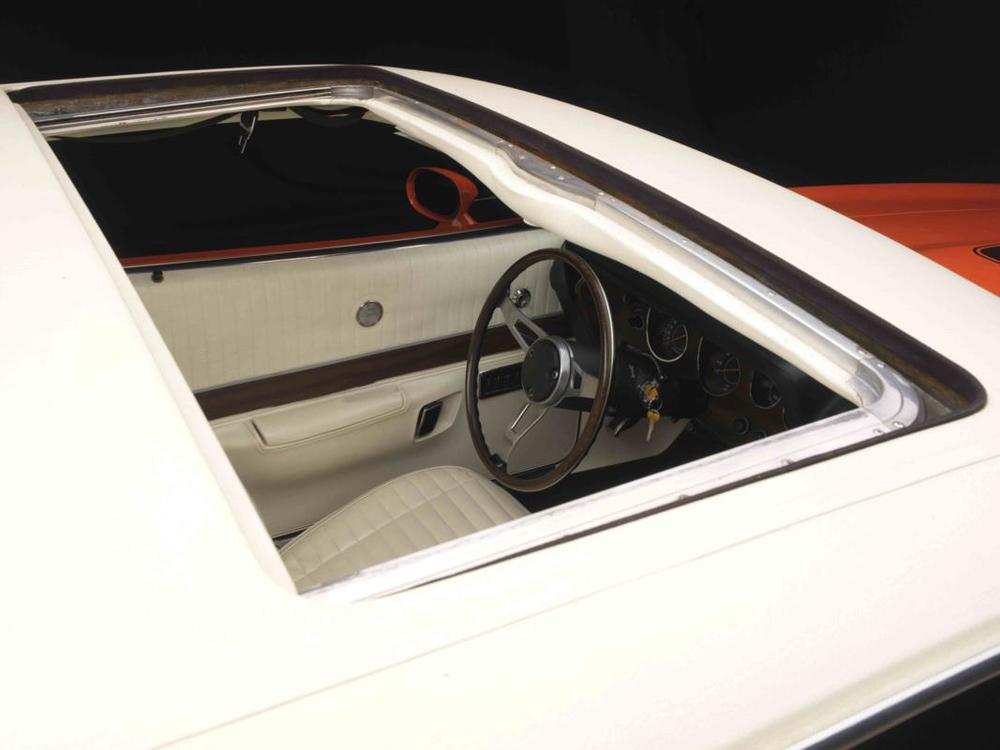 Dodge Charger R_T 426 Hemi sunroof.jpg