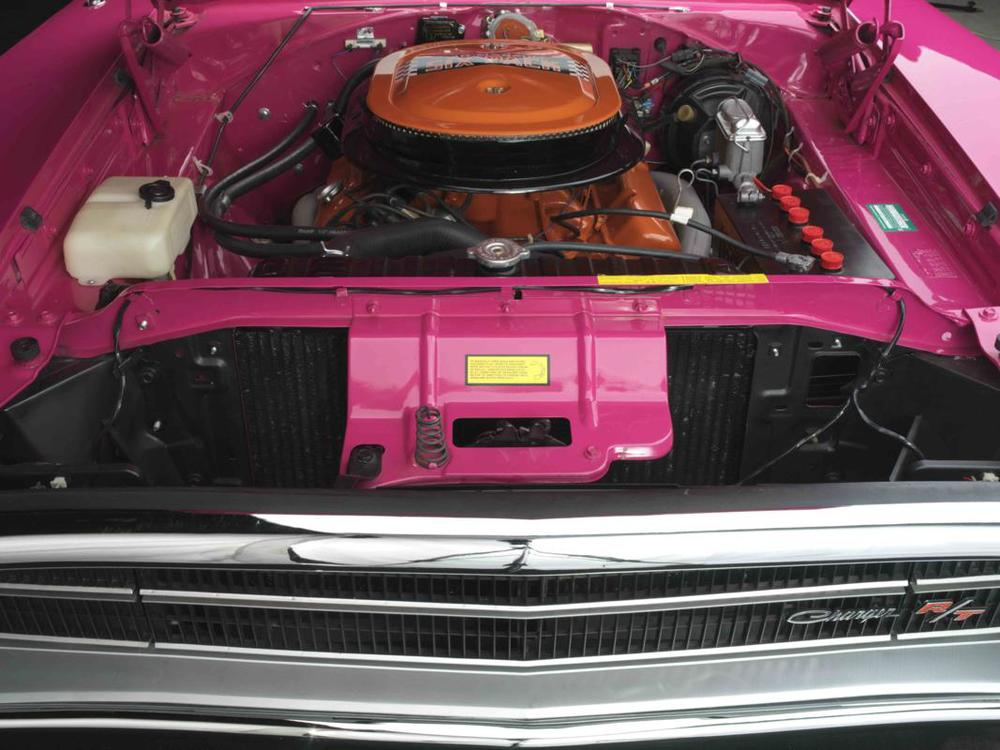Dodge Charger R_T 440 Six Pack 1970 engine straight.jpg