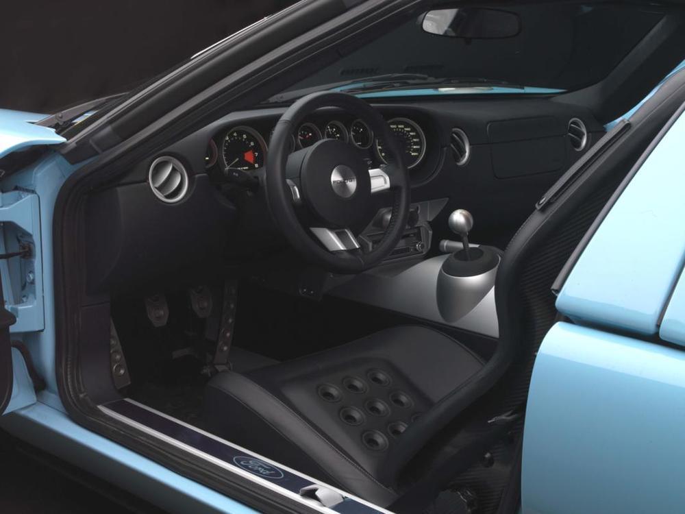 Ford GT interior.jpg