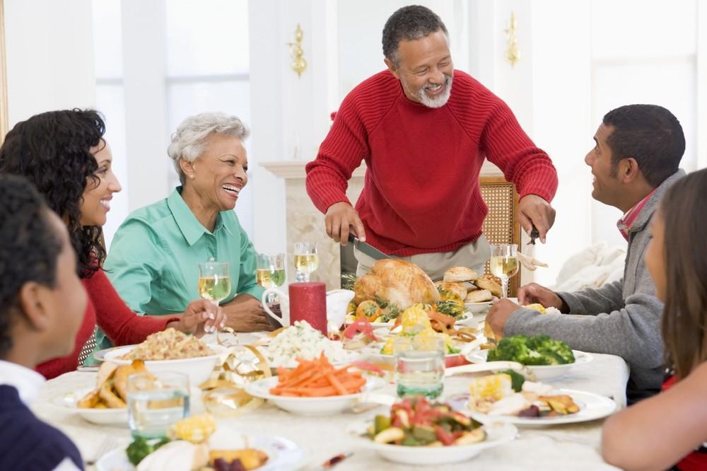 family-christmas-dinner.jpg