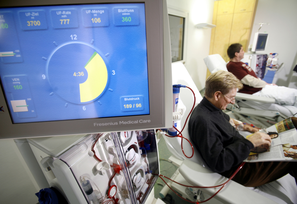 dialysis treatment.jpg