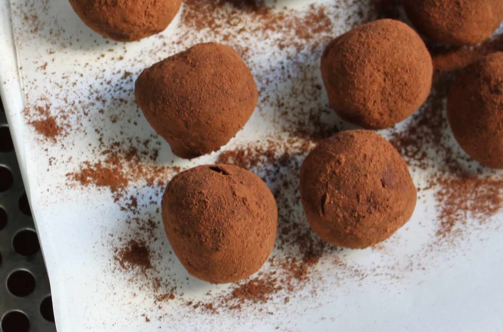 easy chocolate truffles.jpg