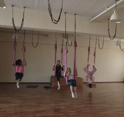 Aerial Yoga Woyo Club München15.jpg
