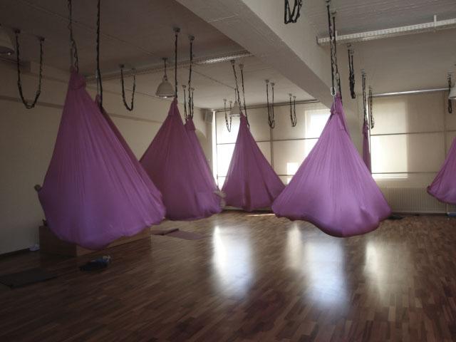 Aerial Yoga Woyo Club München22.jpg
